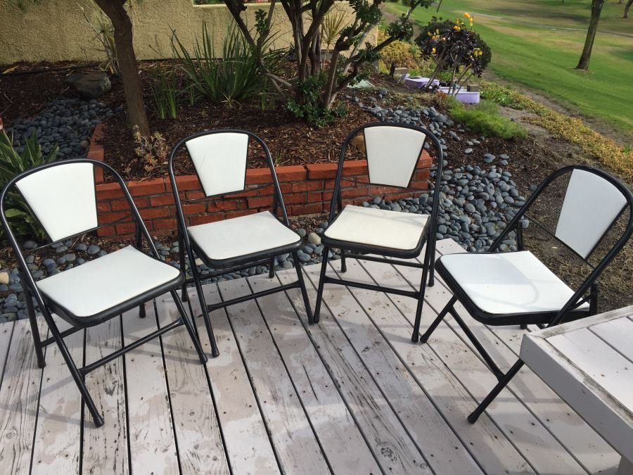 (4) Mid Century Modern Black And White Metal Folding Chairs By Durham [