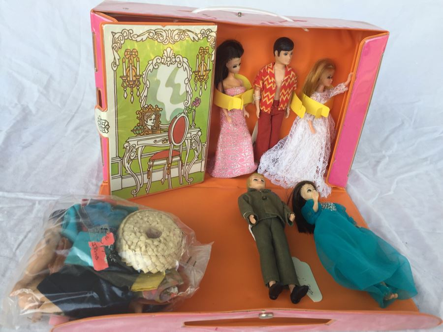 Vintage Dawn Doll Case With Dolls Clothing And Accessories Photo 2