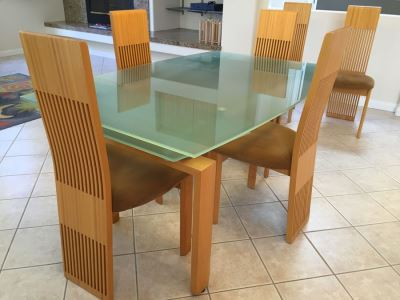 Modernist Designer Table With Six Chairs In Excellent Condition Purchased From Lawrance Furniture