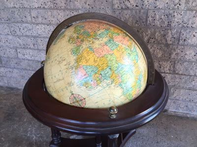 16 Inch Diameter Heirloom Globe By Replogle With Stand And Light