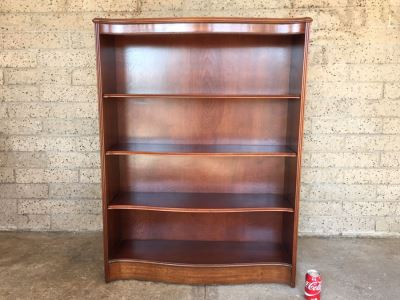 Vintage Wooden Adjustable Bow Front Bookshelf 5 Shelves Excellent Condition