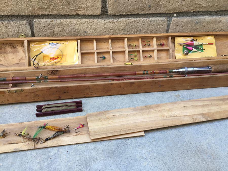Vintage Split Bamboo Fishing Rod Arai Fishing Goods