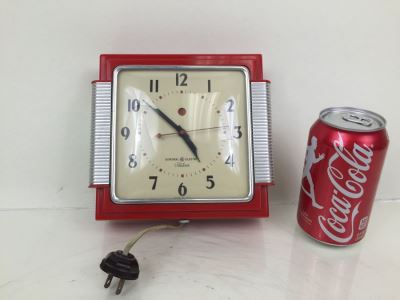 Like New Red Art Decco General Electric Telechron Working Wall Clock Model 2HA43