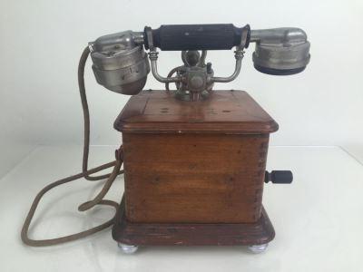 Vintage 1930s Crank Telephone