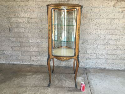 Exquisite French Curio Display Cabinet With Curved Glass On All Sides And Glass On Top Hand Painted And Beautifully Embellished With Metal Accents