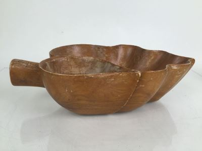 Mid-Century Large Monkey Pod Wood Bowl Hawaii Leaf Shape Carved Server