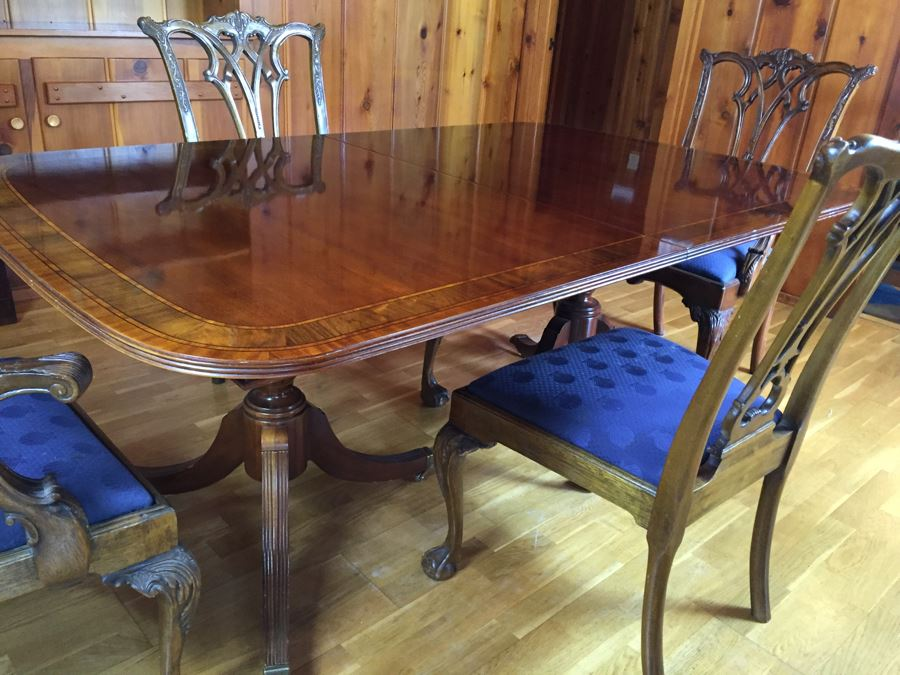 Stunning Thomasville Double Pedestal Dining Table With Two