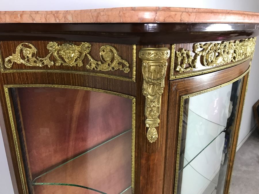 French Louis XV Style Curved Glass Vitrine Curio Cabinet With Gold  Ornamentation And Pink Marble Top