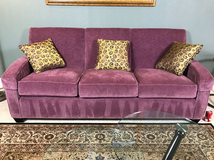Nice ETHAN ALLEN Light Purple Sofa Couch With 40 Throw Pillows Magnificent Ethan Allen Decorative Pillows