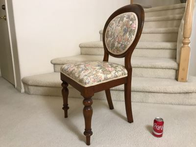Antique Chair With Turned Legs