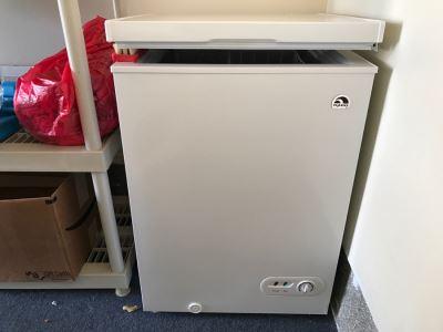 IGLOO Chest Freezer Like Brand New