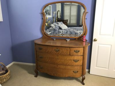 Antique Bow Front Chest Of Drawers Dresser With Beveled Glass Swivel Mirror