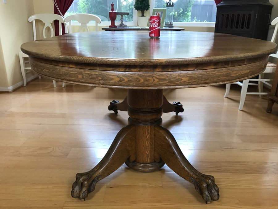Antique Tiger Oak Dining Table With Claw Feet And Two Leaves