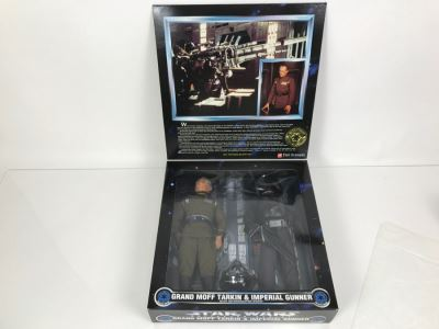 STAR WARS Collector Series Grand Moff Tarkin And Imperial Gunner With Interrogation Droid Kenner Hasbro 1997 27923 New In Box