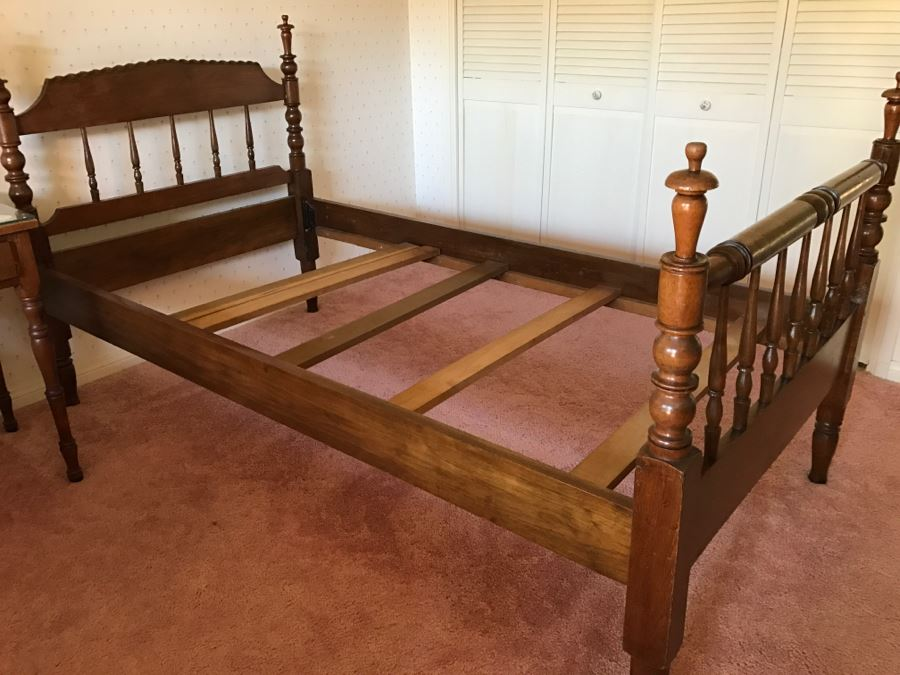 Vintage Turned Walnut Wooden Twin Size Bed Headboard And Footboard With Frame Bedding Mattress