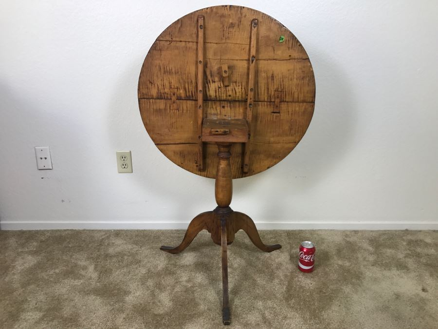 Antique Tilt Top Table - Click To See Description 27.5'R X 26'H [Photo 1]