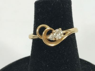 JUST ADDED - 14k Gold Diamond Ring With 3.16mm Diamond And 1.61mm Diamond Size 4 1.9g