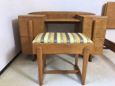 Heywood Wakefield 'Skyliner' 1939 Mid-Century Modern With Art Deco Styling Vanity Desk With Matching Bench Chair