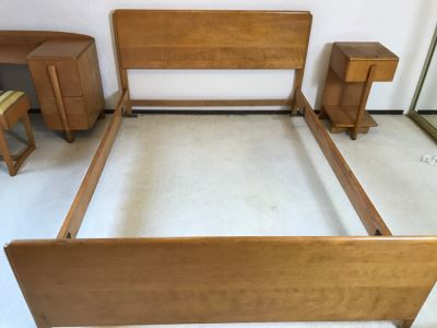Heywood Wakefield 'Skyliner' 1939 Mid-Century Modern With Art Deco Styling Full Size Bed With Headboard Footboard And Railings