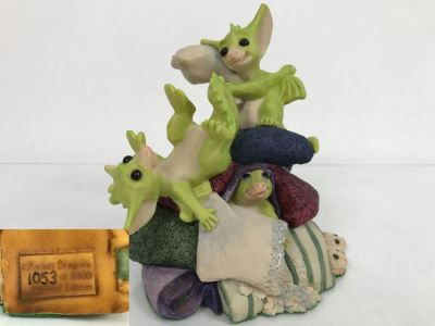 Whimsical World Of Pocket Dragons - Pillow Fight - Worldwide Limited Edition 1053 of 3500 - 1995 Real Musgrave, CWAL/CWSL - Hand Made in UK [MV $350-$400]