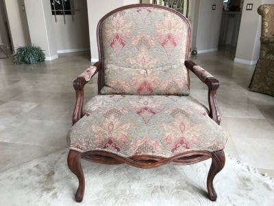 Pair Of Stunning BERNHARDT Large Upholstered Armchairs - See Photos