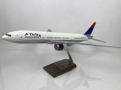 Pacific Miniatures PacMin Precision 1/100 Scale Model Airplane Of Delta Airlines 2005 Boeing 777-200 With Box