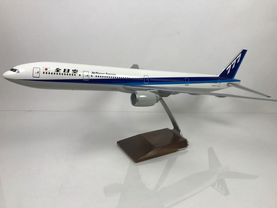 Pacific Miniatures PacMin Precision 1/100 Scale Model Airplane Of ANA All Nippon Airways Boeing 777-300 With Box [Photo 1]