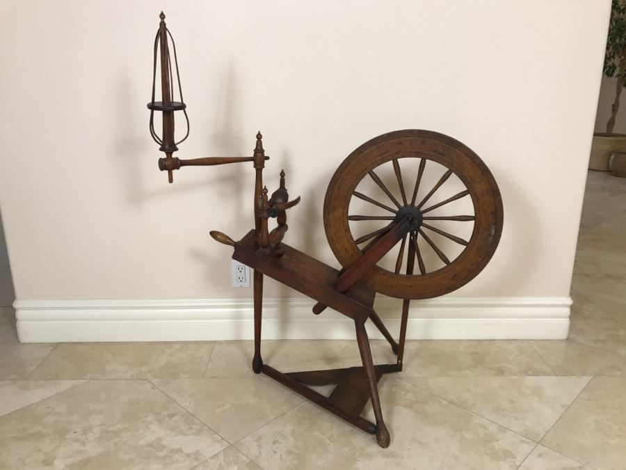 Antique Spinning Wheel Working