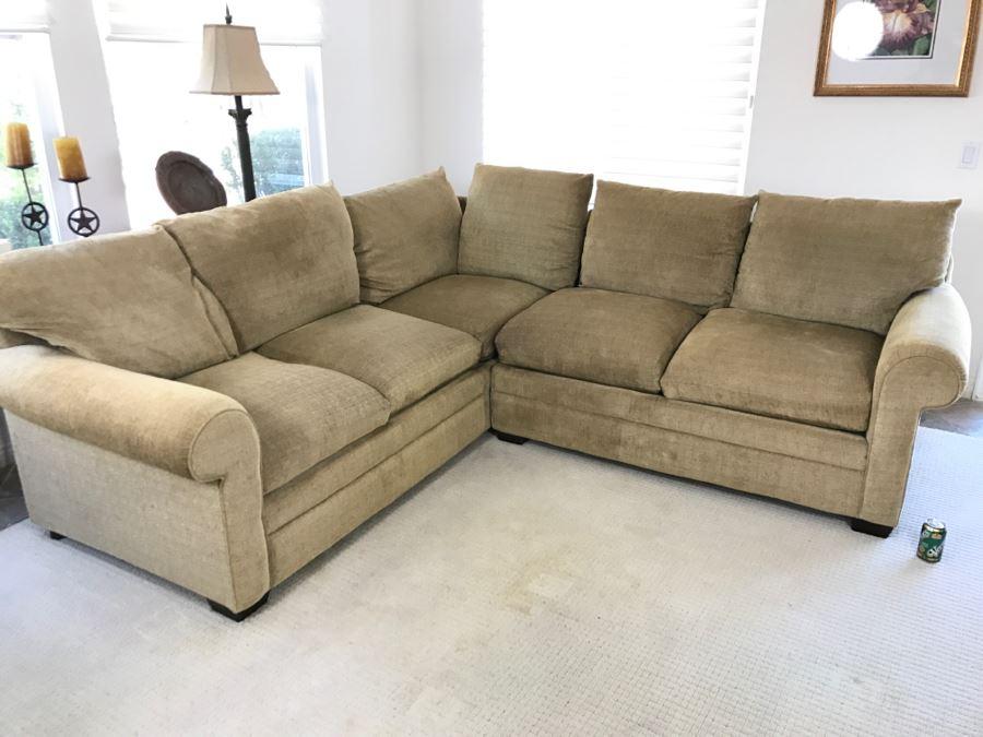 Fine Upholstered Sectional Sofa By Bassett 92 X 98 Uwap Interior Chair Design Uwaporg