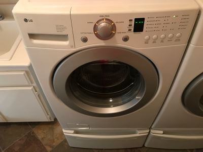 LG White Front Load Washer Super Capacity Quiet Operation Washing Machine WM2016CW Like New