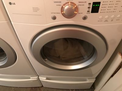 LG Gas Dryer DLG2526W Super Capacity Quiet Operation Like New