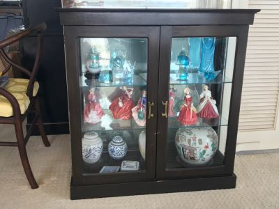 Small Chinoiserie Curio Display Cabinet