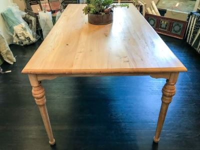 Nice Pine Table With Turned Legs 71' X 37'