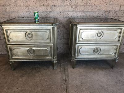 Z Gallerie Pair Of Nightstands With Mirrored Tops (Note That Inside One Drawer Paint Has Peeled)