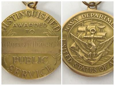 14k Gold Medal Awarded To William Randolph Hearst, Sr (Hearst Castle) Distinguished Public Service Medal From Navy Department United States Of America 15.5g