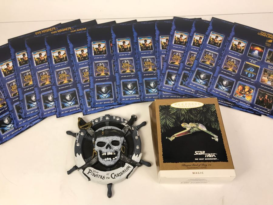 Disney Pirates Of The Caribbean Promotional Plaque, Star Trek Hallmark Ornament And Collection Of SONY DVD Magnets Of Close Encounters, The Dark Crystal, Labrinth, The Fifth Element [Photo 1]