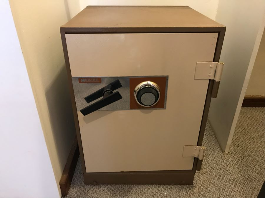 Vintage Meilink Safe With Working Combination [Photo 1]