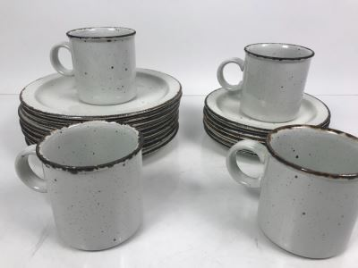 Stonehenge Stoneware Midwinter Pattern Wedgwood China Plates And Coffee Cups