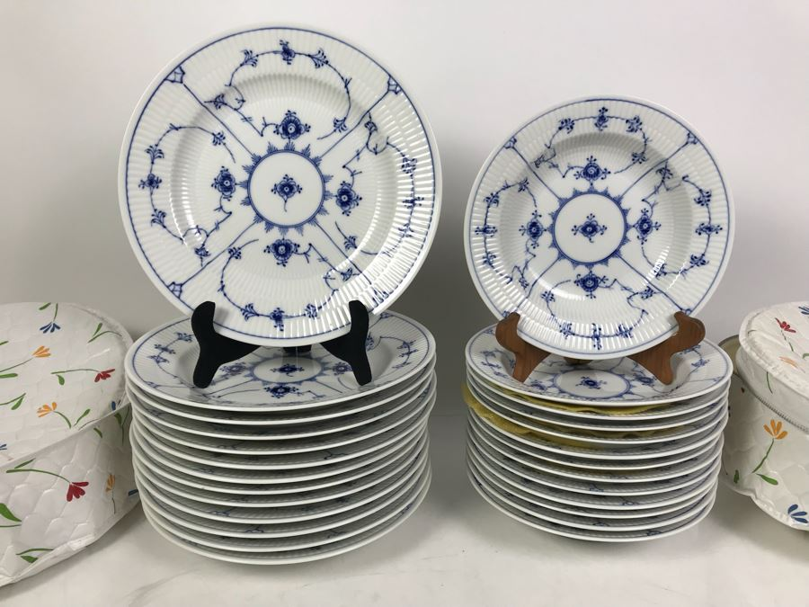 Set Of Royal Copenhagen Denmark Blue And White China Dishes 10' And 8.5' With Storage Containers Apx 25 Pieces [Photo 1]