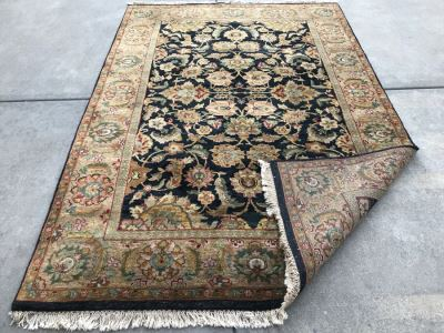 Hand Knotted Wool Persian Area Rug 6' X 9'