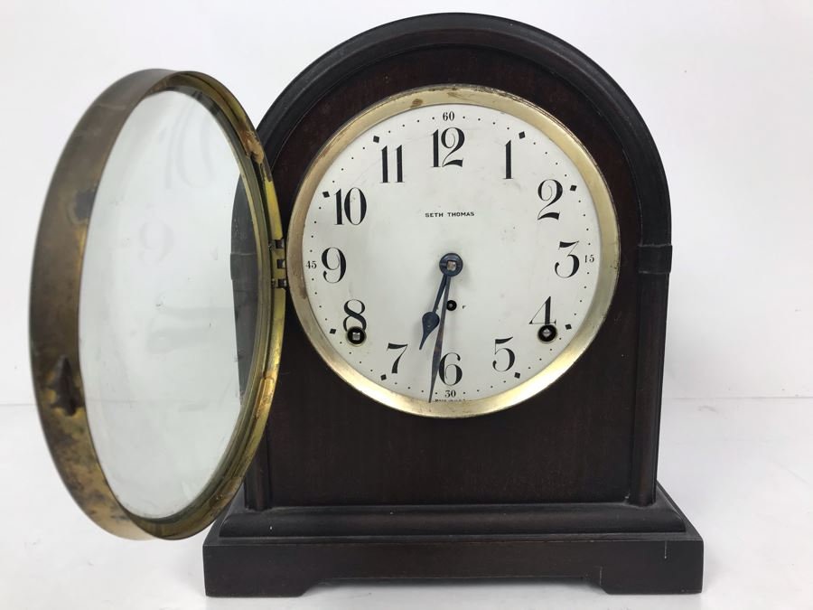 Antique Seth Thomas Wooden Mantle Mechanical Clock With Key Working Smooth Movement [Photo 1]