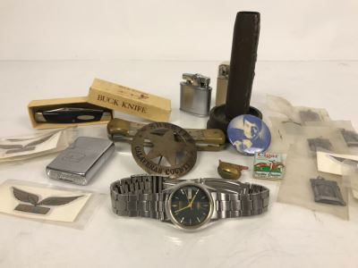 Men's Citizen Automatic Watch Working (Glass Is Scratched), Sheriff Badge Calaveras County, Buck Knives, Lighters, US Air Wing Stickers, Various Pins, Button, Trench Art And Archery Pendants