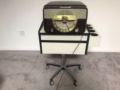 Vintage ZENITH Bakelite Tube Record Player Radio (Turns On - Not Sure If Record Player Is Working) With MIDMARK Modular Cabinet With Chrome Base On Casters