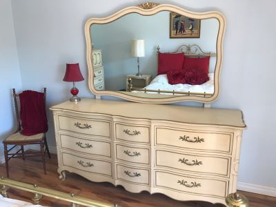 French Provincial Chest Of Drawers Dresser By Drexel
