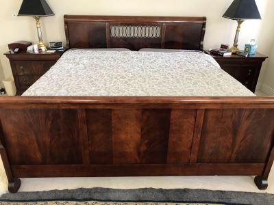 Stunning National Mt. Airy King Size Wooden Sleigh Bed (Mattress And Box Spring Not Included)