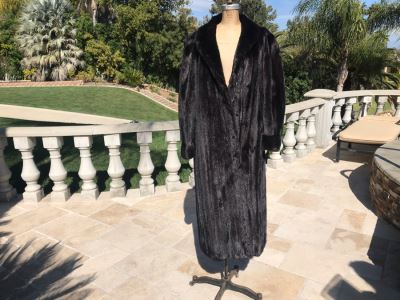 Appraised At $17,000 In 1989: Mahogany Mink Female Skins Fully Let Out Full Length Coat Made In USA Size L - Only Item With A Reserve Price