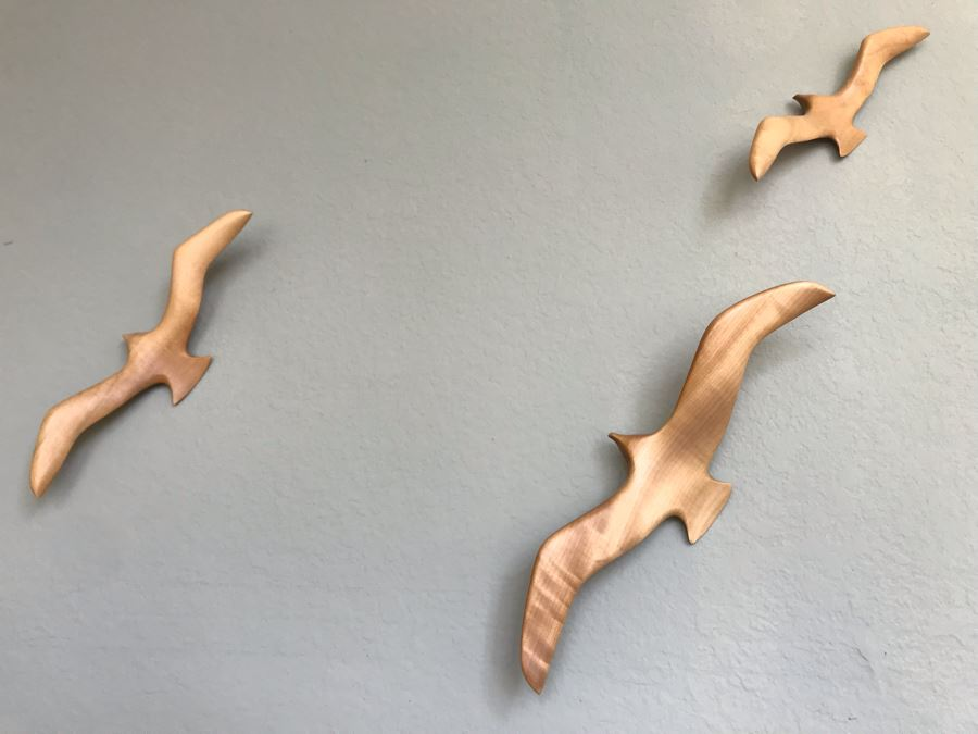 Carved Myrtlewood Seagulls Birds Wall Sculptures From The House Of Myrtlewood Coos Bay Oregon [Photo 1]
