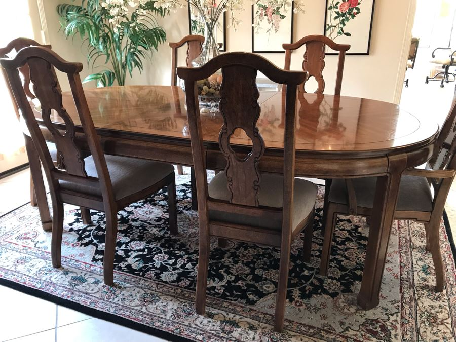 Stunning Thomasville Mid-Century Chinoiserie Wooden Dining Table With (6) Dining Chairs And One Leaf (20') - 87'L With One Leaf X 45'W X 29.5'H [Photo 1]