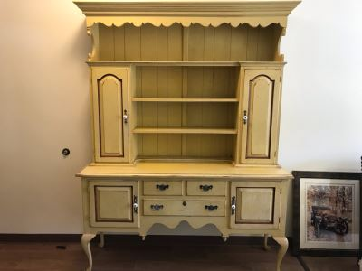 Large 2-Piece Yellow Cabinet With Hutch And Queen Anne Legs