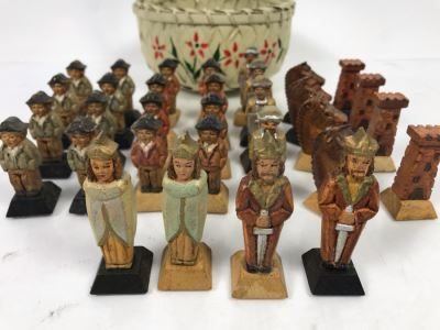 Vintage Italian Carved Wooden Hand Painted Chess Pieces With Vintage Basket (Complete)